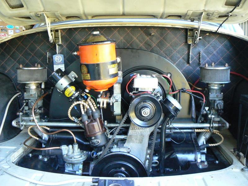 Revêtement d'nsonorisation compartiment moteur P1130810