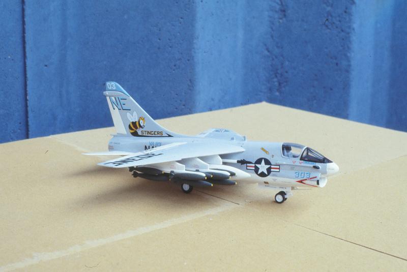 Corsair II A-7 1/72 Vought10