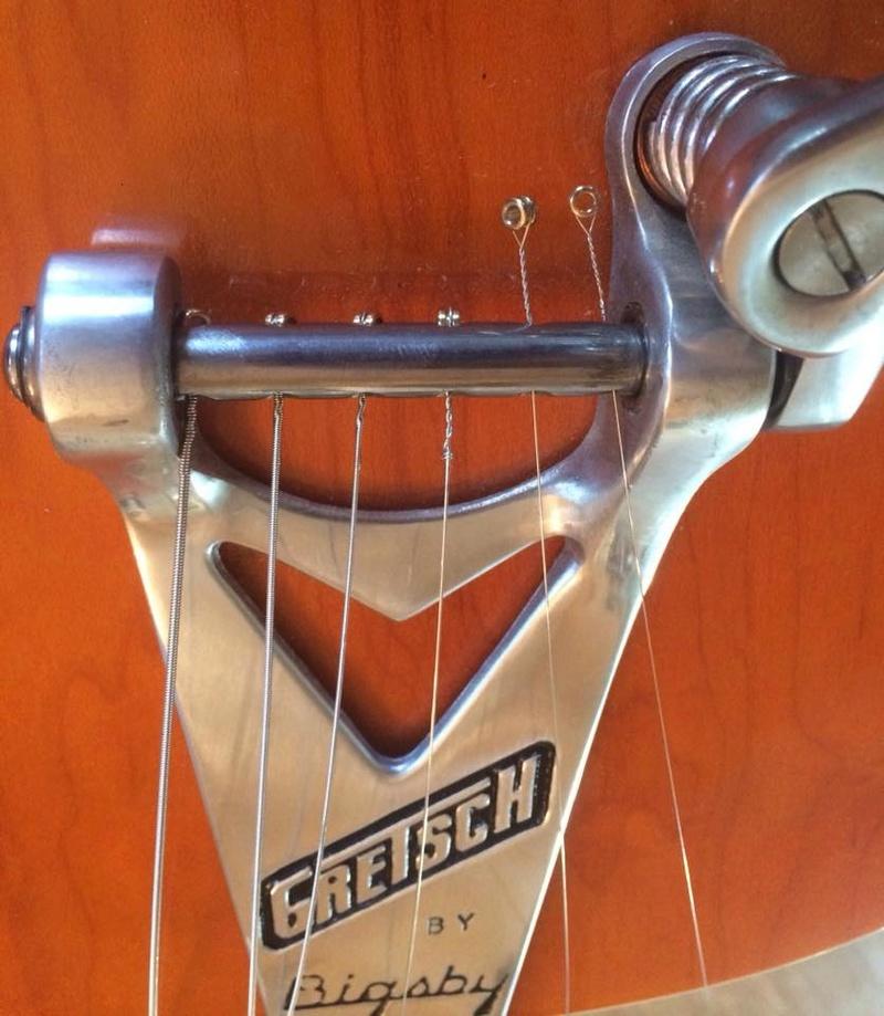 Nouveau Bigsby montage de cordes simple. 23659110