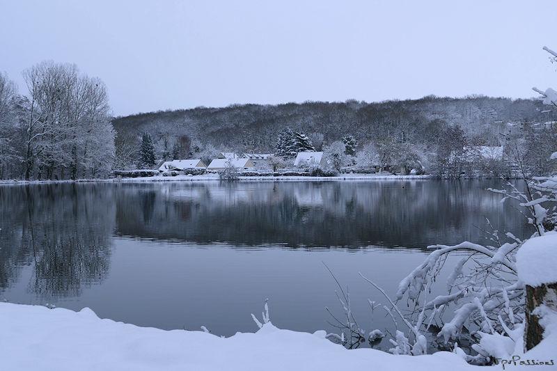 Vallée de l'Eure sous la neige P1010011