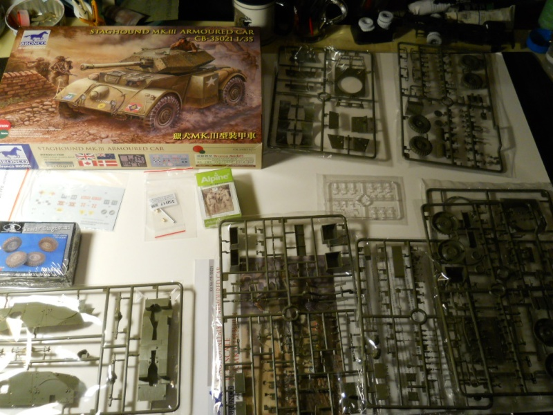 1/35 Staghound Mk III -Bronco Stag0210
