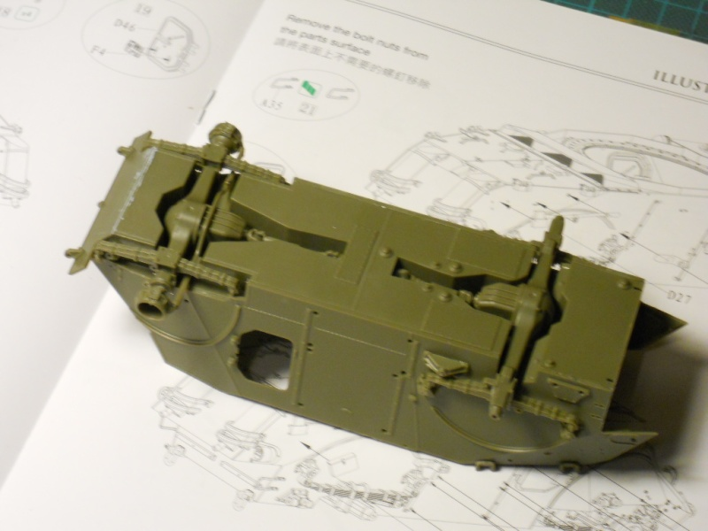 1/35 Staghound Mk III -Bronco Stag0710