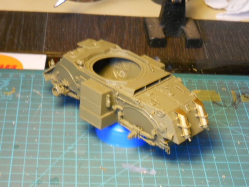 1/35 Staghound Mk III -Bronco Stag1410