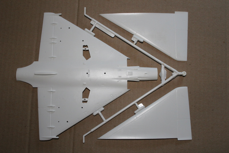 Mirage 2000-01 Monogram 1/48 Img_1627