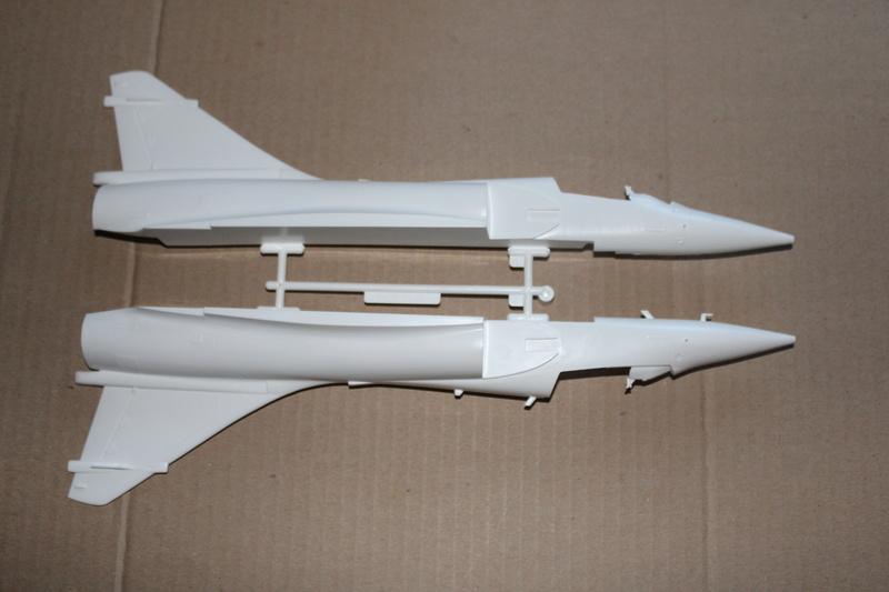 Mirage 2000-01 Monogram 1/48 Img_1630