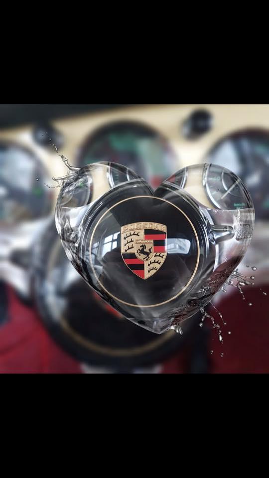 Une Belle photo de Porsche - Page 30 27858210