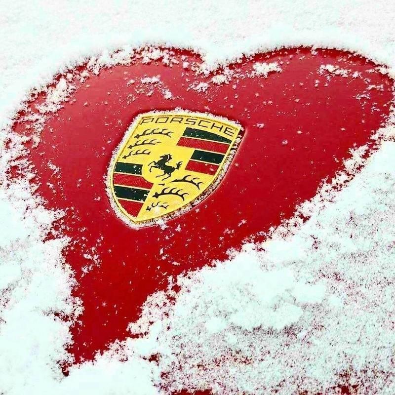 Une Belle photo de Porsche - Page 30 27971810