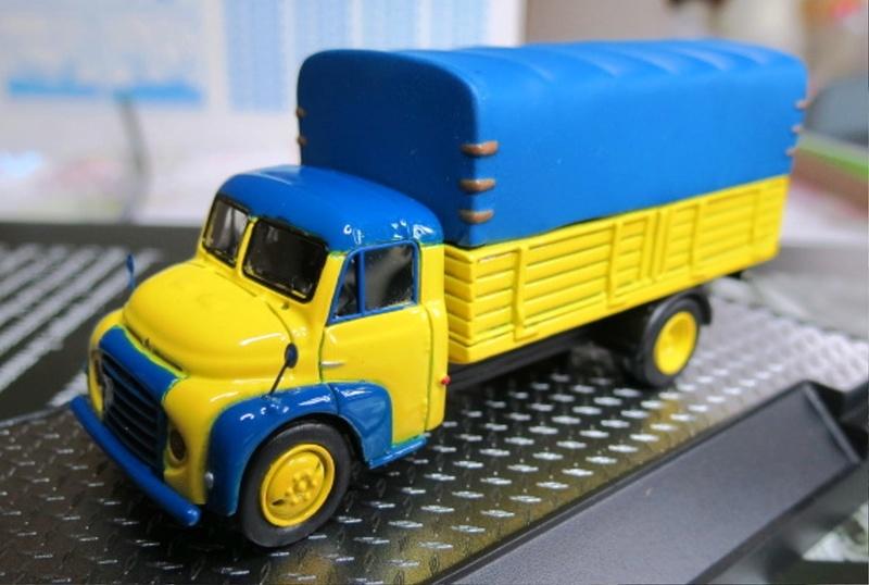 1/87 - Les camions et utilitaires  Img_1810