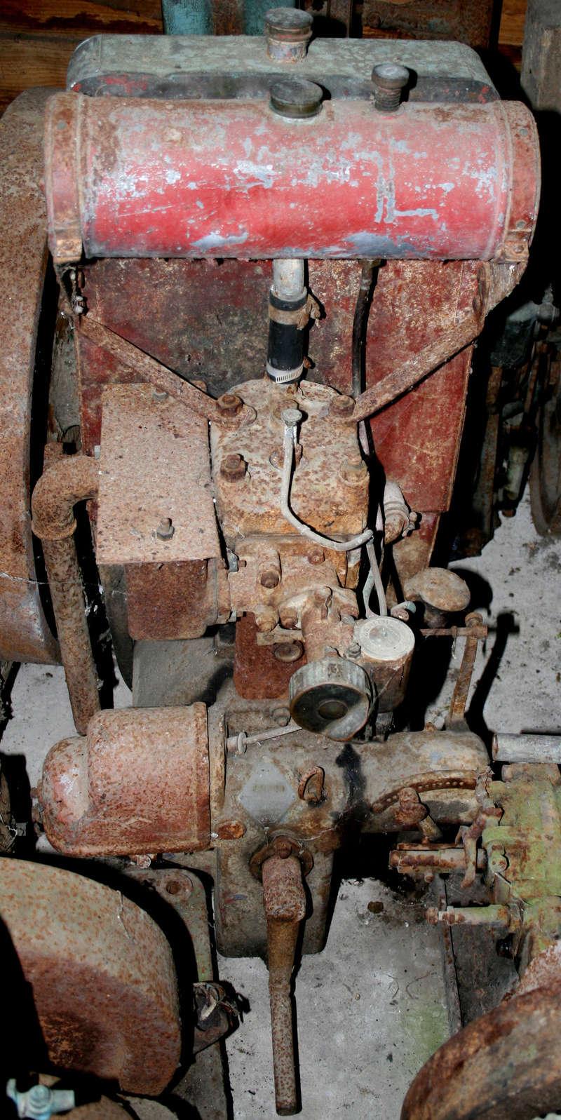 RENAULT - 1 moteur Renault chez Gil01 avec plein de questions Img_1510