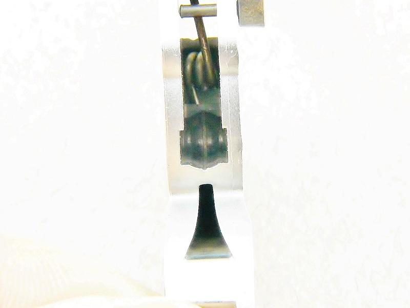 Mise en forme d'un ressort de rappel pour tour à pivoter P1140514