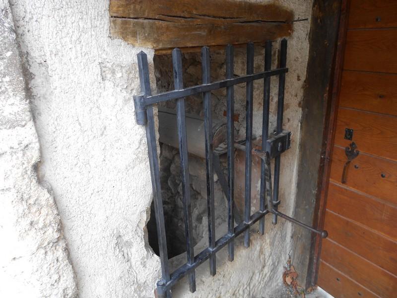Allier (03) Charroux / Puits 212