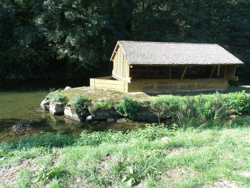 Côte d'Or (21) Semur en Auxois / Lavoir et puits Semuur10
