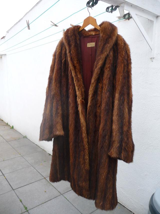 Le manteau en rat musque de Lili Mantea18