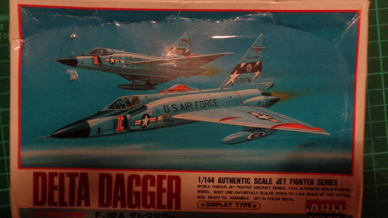 """CONVAIR F 102 A """"DELTA DAGGER"""" 1/144 ARII et Otaki 1/144 Dsc03133"""
