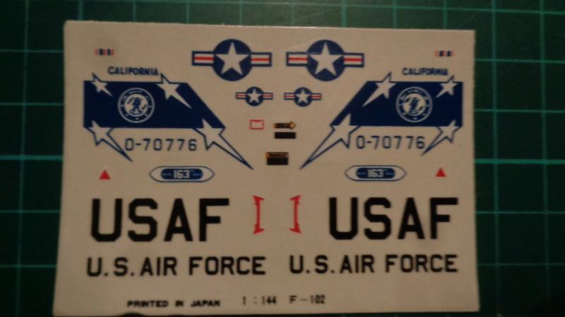 """CONVAIR F 102 A """"DELTA DAGGER"""" 1/144 ARII et Otaki 1/144 Dsc03135"""