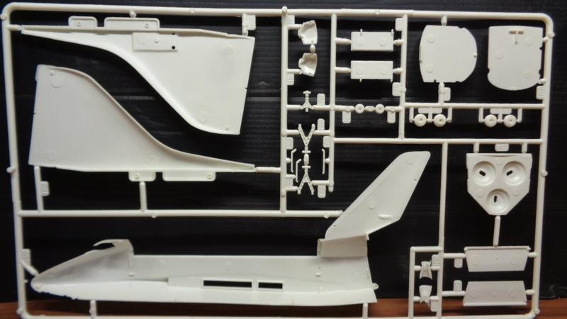 [REVELL] BOEING 747 & Navette SPATIAL 1/144ème  Réf H-177 Dsc03520