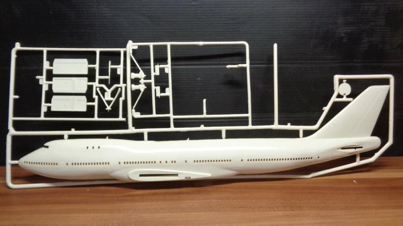 [REVELL] BOEING 747 & Navette SPATIAL 1/144ème  Réf H-177 Dsc03530