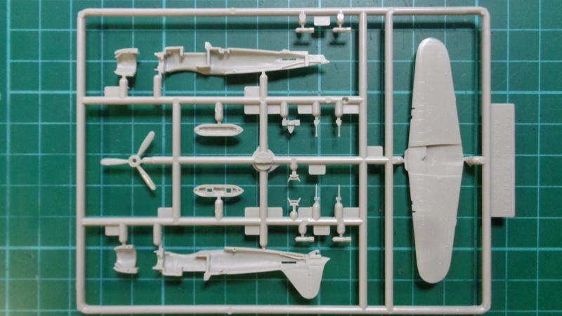Mitsubichi ZERO A6M5c Model 52 c SWEET 1/144 Dsc03620