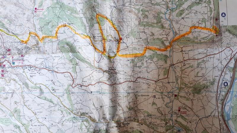 le titre exact est chemin de St Jacques de Compostelle et de Rome.. De_for10
