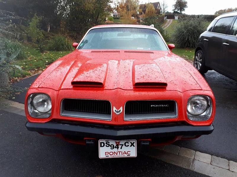 La nouvelle auto de Mme Evrix 23172410