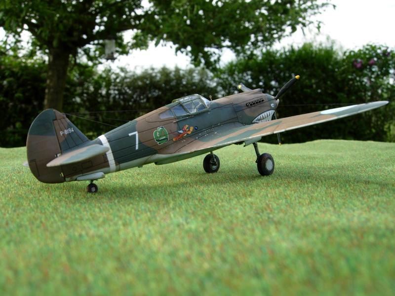 CURTISS P-40 Hawk 81-A-3 / Tomahawk IIB (Airfix) Dscn2811
