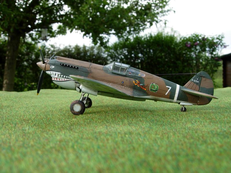 CURTISS P-40 Hawk 81-A-3 / Tomahawk IIB (Airfix) Dscn2812