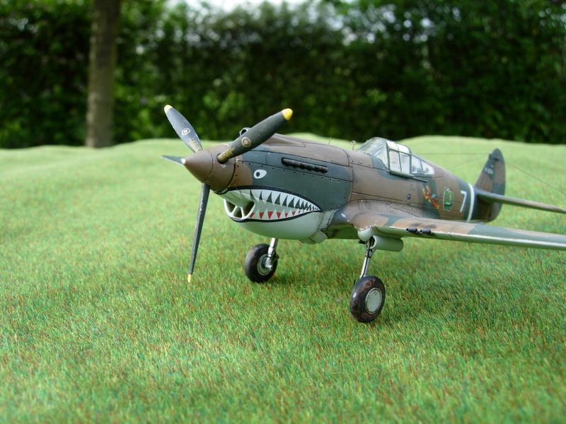 CURTISS P-40 Hawk 81-A-3 / Tomahawk IIB (Airfix) Dscn2814