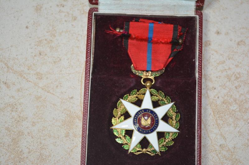 ensemble de medaille de la defense de St quentin Dsc_0110