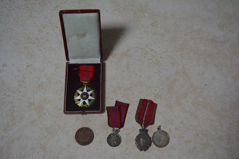 ensemble de medaille de la defense de St quentin Dsc_0112