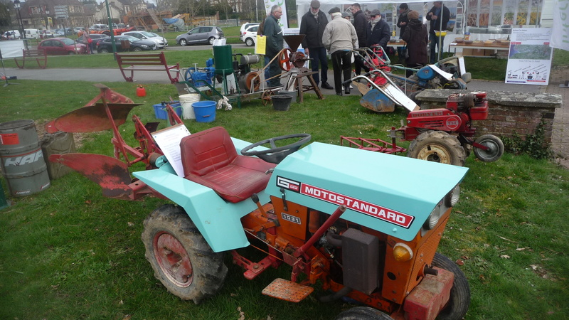 TRACTEUR - Micro-tracteur Motostandard 1031, bientot dans la cour P1110010