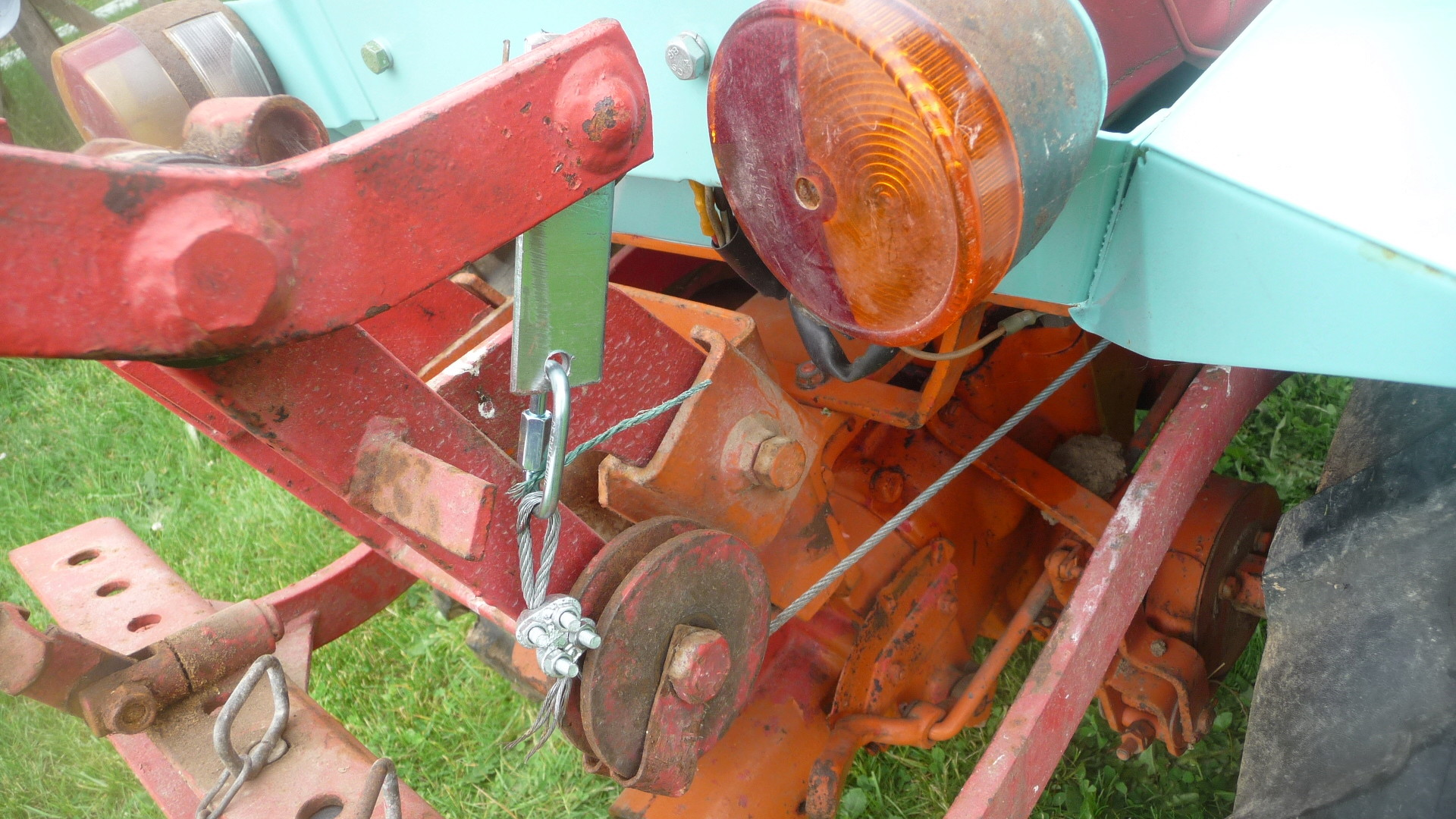 TRACTEUR - Micro-tracteur Motostandard 1031, bientot dans la cour P1110215