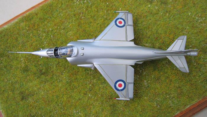 Hawker P1127 Prototype du célèbre Harrier bien connu - Base Airfix - 1/72. Harrie14