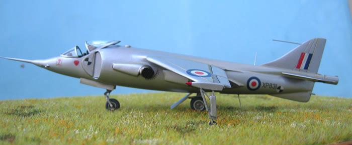 Hawker P1127 Prototype du célèbre Harrier bien connu - Base Airfix - 1/72. Harrie18