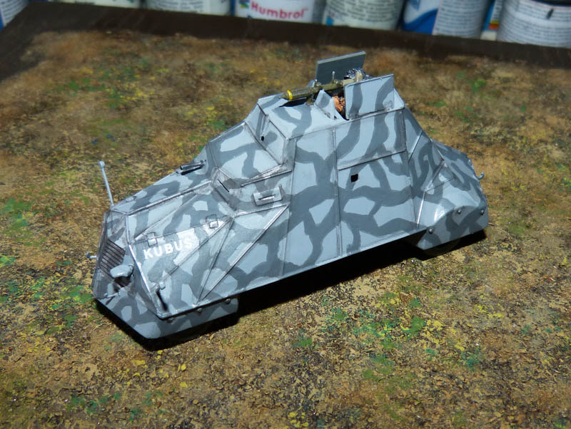 """Kubus"" blindé improvisé polonais à Varsovie 1944 - Mirage Hobby - 1/72. Kubus_12"