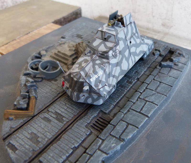 """Kubus"" blindé improvisé polonais à Varsovie 1944 - Mirage Hobby - 1/72. Kubus_15"