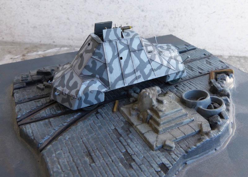 """Kubus"" blindé improvisé polonais à Varsovie 1944 - Mirage Hobby - 1/72. Kubus_17"