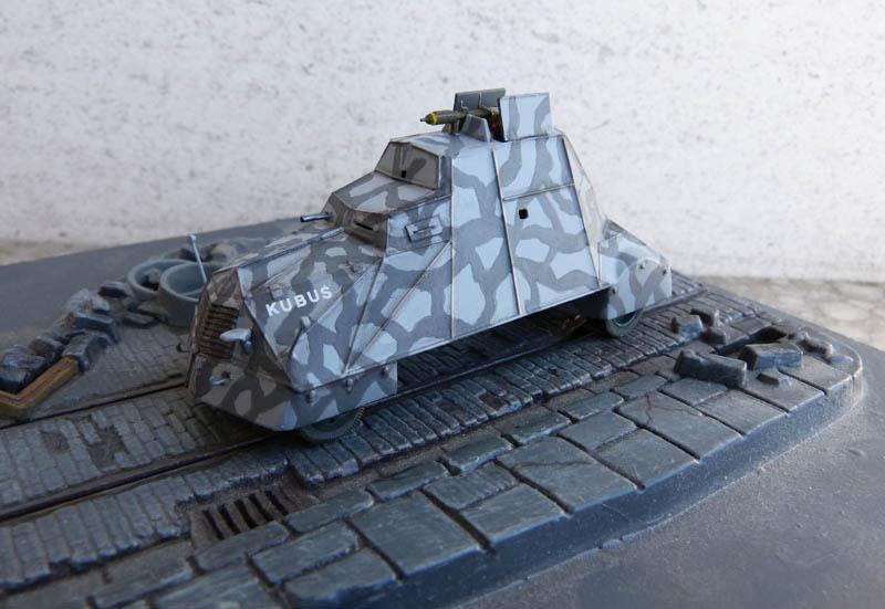 """Kubus"" blindé improvisé polonais à Varsovie 1944 - Mirage Hobby - 1/72. Kubus_18"