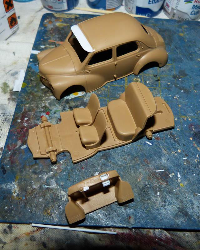 """Renault 4CV """"Taxi de Saigon"""" - Heller - 1/43. Taxisa11"""