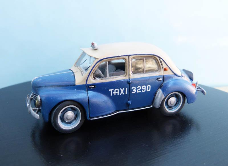 """Renault 4CV """"Taxi de Saigon"""" - Heller - 1/43. Taxisa15"""
