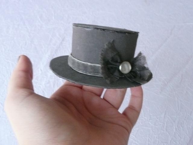 Chapeau, gateaux...On va prendre le thé ?  ♥  EDIT crinoline P1030415