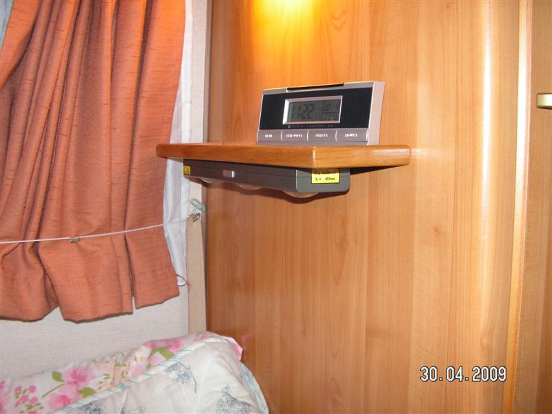 Cherche modèle petite étagère Pict0810