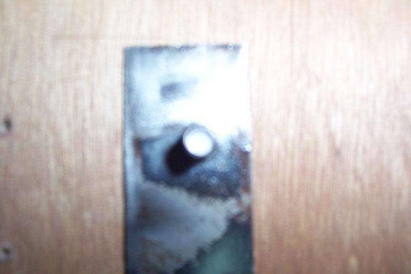 fixation de bas de caisse 100_0611