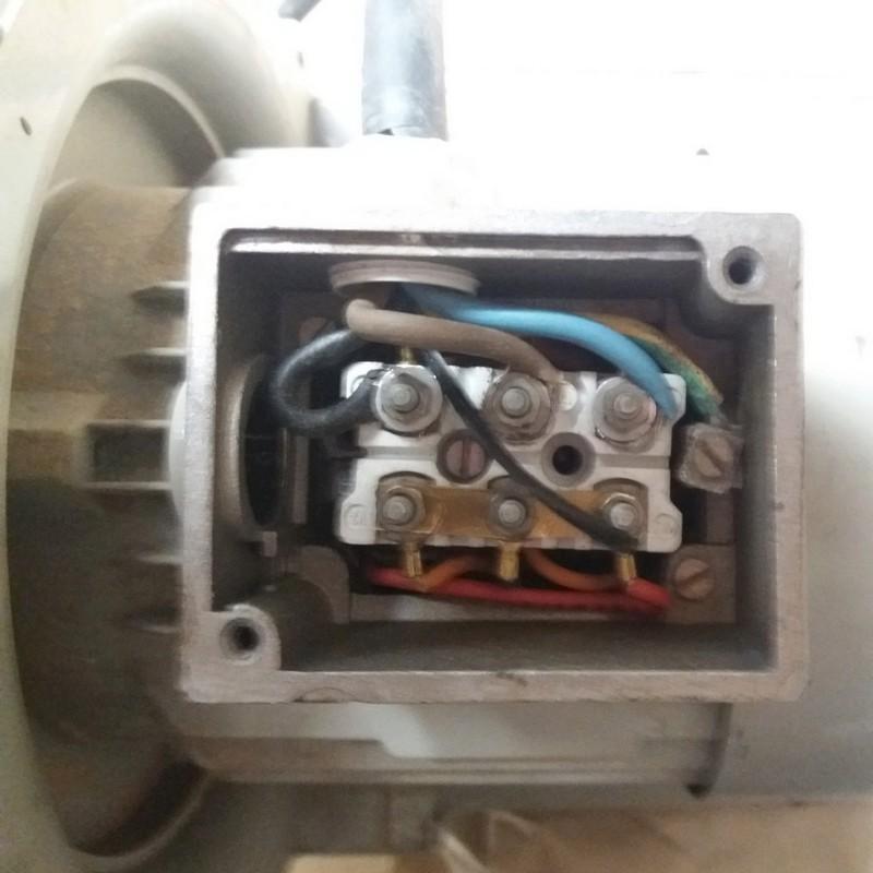 Transformation pompe à vide 380 V en 220 V 20180516