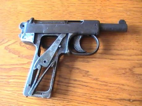 Pistolet Webley & Scott modèle 1905 Pic_1411