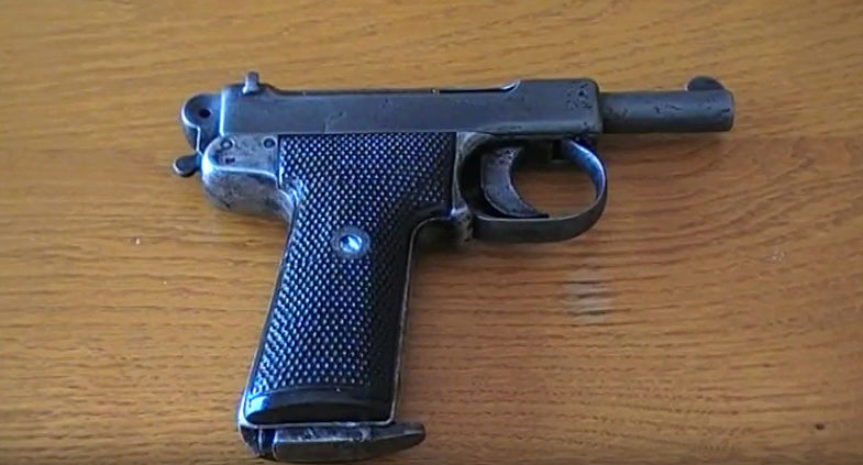 Pistolet Webley & Scott modèle 1905 W110