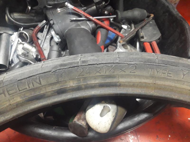 Una de neumáticos  20171212