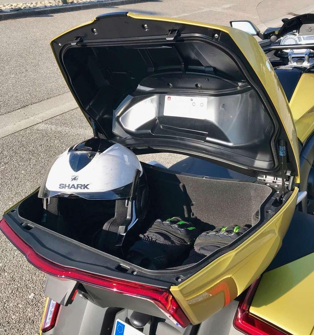 Jim essaie les BMW K 1600 Grand America et Bagger Img_3730