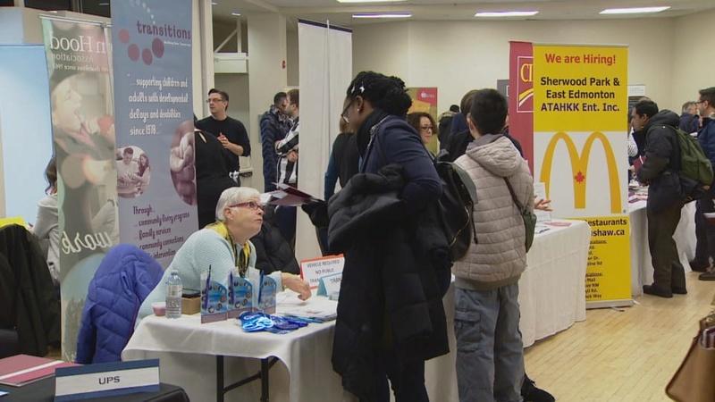 La foire de l'emploi pour francophones fait courir les foules à Edmonton 1_foir10