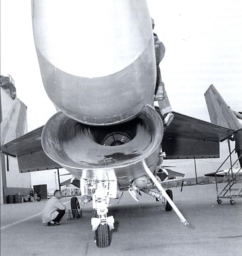Vought XF8U-3 CRUSADER III V-401 [1/72 - Anigrand] Entrye10