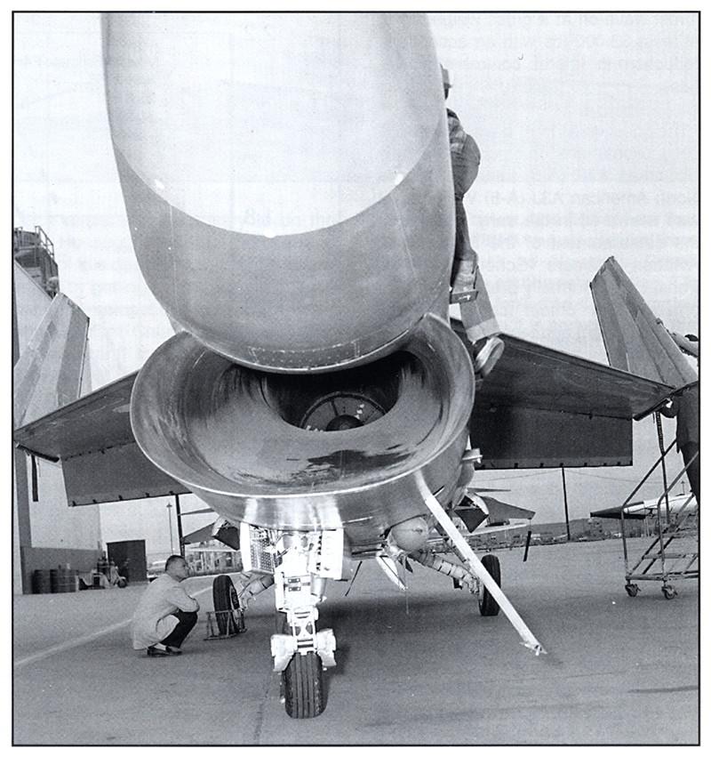 Vought XF8U-3 CRUSADER III V-401 [1/72 - Anigrand] Entrye11